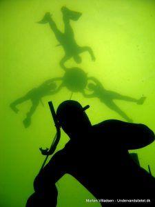 Fridykning i Furesøen Morten Villadsen2 225x300 - Fast bøje til fridykning i Furesøen