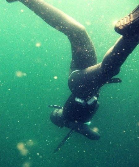 Våddragt til undervandsjagt