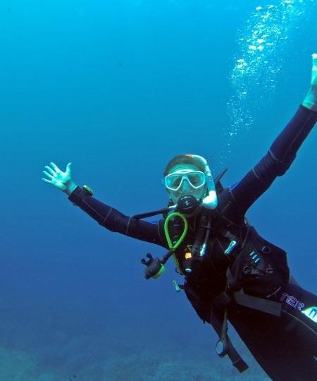 scuba diver 1062882 1920 450x540 - Dykkerudstyr